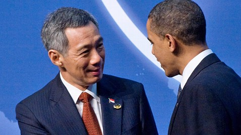 gty lee hsien loong barack obama ll 120104 wblog Singapore PM Takes Big Pay Cut, Still Worlds Best Paid Leader