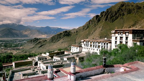gty monastery tibet dm 120607 wblog China Forbids International Tourism to Tibet Indefinitely