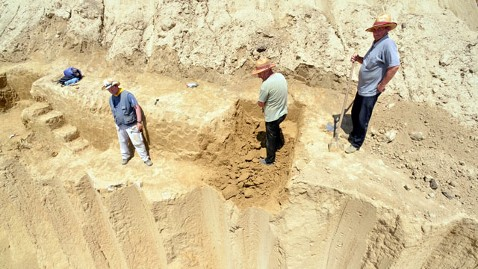 ht mammoth graveyard jef 120614 wblog Worlds First Mammoth Graveyard Discovered In Serbia