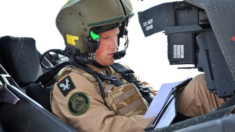 ht prince harry flight wy 120208 wblog Prince Harry Named Top of His Class in Apache Helicopter Training