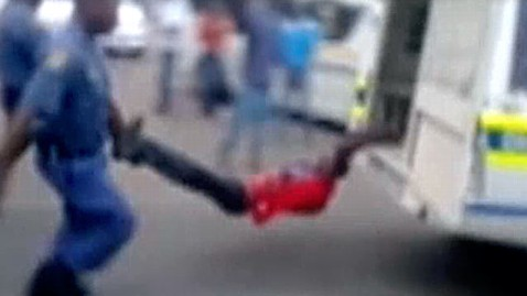 ht south africa police brutality dm 130228 wblog Video of Cops Dragging Man Behind Car Triggers Outrage
