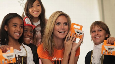 ht heidi klum unicef jef 111027 wblog Supermodel Spooktacular: Ghosts, Goblins and Good