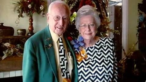abc matching couple nt 120528 wblog Couple Married 64 Years Wears Matching Outfits for 35 of Them