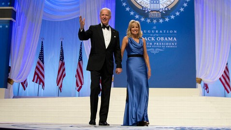 ap bidens tk 130121 wblog Vice President Joe Biden Drops Hints of 2016 During Inauguration