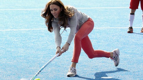 gty kate middlteon jef 120315 wblog Kate Middleton Scores With British Olympic Hockey Team
