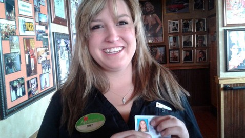 ht brianna priddy license nt 130307 wblog Waitress Handed Her Own Stolen Drivers License By Customer