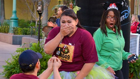 ht disney wedding proposal photobomb ll 130123 wblog Newly Engaged Couple Has Hilarious Photobombed Proposal Picture