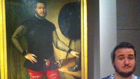 ht doppleganger painting dm 121113 wblog Man Finds His Doppelganger in 16th Century Italian Painting