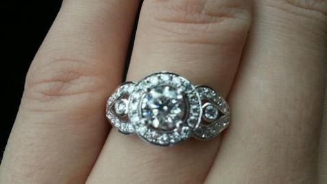 ht megan gardiner tk 130206 wblog Brides Hunt for Lost Engagement Ring Goes Viral
