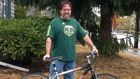 ht paul Gilmour with bike jt 121012 wblog Bike Thief Leaves Handwritten Apology Note, Plus $10 for New Lock