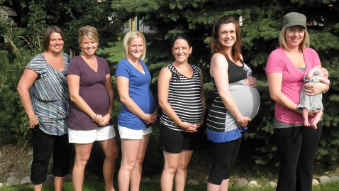 ht pregant neighbors mr 120801 wblog 7 Babies in 7 Months for 7 Neighbors in 1 Neighborhood