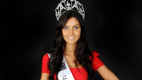 wns miss wales jef 120420 wblog Miss Wales Sophie Moulds Is Kate Middleton Lookalike