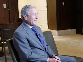 "PHOTO: George W. Bush and former First Lady Laura Bush speaks to ""ABC World News"" anchor Diane Sawyer as they prepare for the opening and dedication of the George W. Bush Presidential Center."