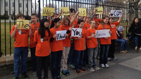 abc iowa kids jt 130316 wblog Iowa Students Make It to White House Gates, But Not Inside