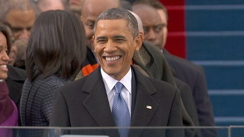 abc obama arriving podium smiling thg 130121 wblog LIVE UPDATES: Inauguration Day 2013