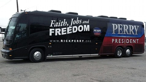 abc rick perry bus jp 111214 wblog Rick Perry Kicks Off Iowa Bus Tour In Lead Up to Caucuses
