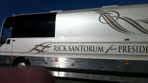 abc santorum bus jef 120102 wblog Reality TV Stars the Duggars Campaign for Rick Santorum in Iowa