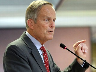 PHOTO: This Aug. 10, 2012 file photo shows Todd Akin, Republican, candidate for U.S. Senator from Missouri, speaks at the Missouri Farm Bureau candidate interview and endorsement meeting in Jefferson ...