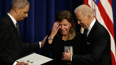 ap biden baitinger tk 130220 wblog Solemn Biden Consoles Victims of Gunned Down Cops, After Call for Shotguns