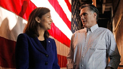 ap kelly ayotte mitt romney ll 120430 wblog Sen. Kelly Ayotte Has VP Tryout in Event With Mitt Romney