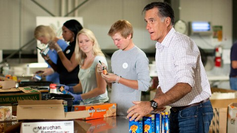 ap mitt romney dm 120711 wblog Romney Rolls Up Sleeves, Drops by Food Bank to Help CO Fire Victims