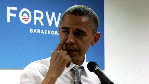 ap obama ac 121109 wblog Tearful Obama Credits Staff for History Books Campaign