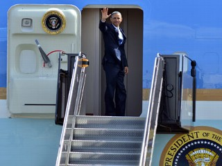 PHOTO: President Barack Obama waves to reporters as he boards Air Force One at Boston's Logan International Airport in this April 18, 2013 file photo.