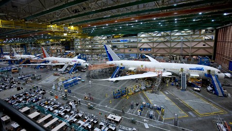 gty boeing factory jp 120217 wblog Boeing Boing: Obama Visits Plane Maker to Push US Manufacturing