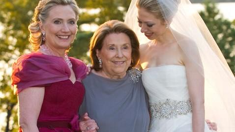 gty dorothy rodham hillary clinton nt 111101 wblog Hillary Clintons Mother, Dorothy Rodham, Dies at Age 92