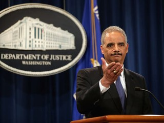 PHOTO: U.S. Attorney General Eric Holder holds a news conference, May 14, 2013, in Washington, DC.