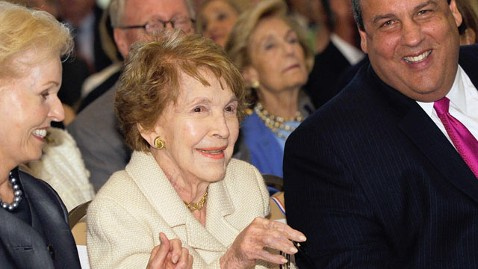 gty nancy reagan thg 120329 wblog Nancy Reagan Recovering From Broken Ribs