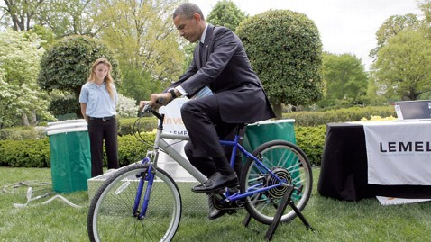 gty obama bike mi 130422 wblog Earthly Beauties, Celebrating Earth Day with Photography