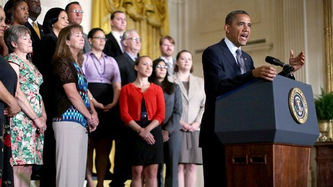 gty obama taxes lpl 120709 wblog Weekly Address: Obama Continues Push for Middle class Tax Cut Extension