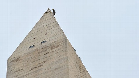 gty washington monument jt 120119 wblog Billionaire David Rubenstein Gives $7.5 Million to Repair Washington Monument