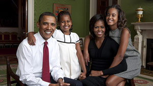 ht Obama Family 091023 wmain New First Family Portrait