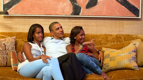 ht barack obama daughters nt 120904 wblog Live Blog: Democratic National Convention 2012; Michelle Obama, Julian Castro