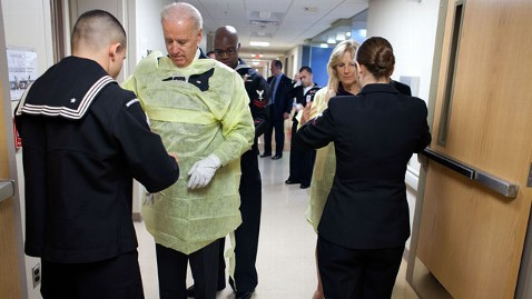 ht biden jill christmas hospital tk 111226 wblog Bidens Visit Wounded Troops on Christmas