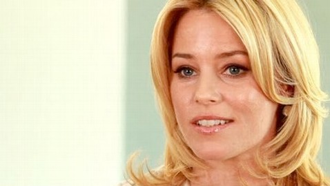 ht elizabeth banks nt 120808 wblog Obama Ally Elizabeth Banks Gets Personal on Planned Parenthood