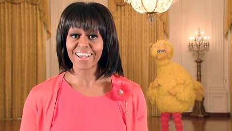 ht michelle obama big bird dm 130221 wblog Big Birds Revenge as Character Teams With Mrs. Obama