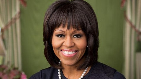 ht michelle obama portrait wm nt 130220 wblog FLOTUS Shows Off Her New Bangs in Official White House Photograph