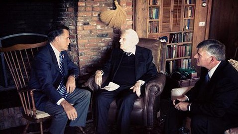 ht mitt romney billy graham tweet lpl 121011 wblog Rev. Billy Graham Offers Prayer, Help to Mitt Romney