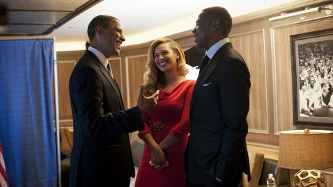 ht obama jayz beyonce kb 121018 wblog Obama Says He Advocates for Women in Jay Zs Family