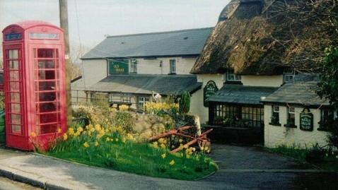 ht old inn 4 kb 120803 wblog Ann Romneys Weekend in Wales