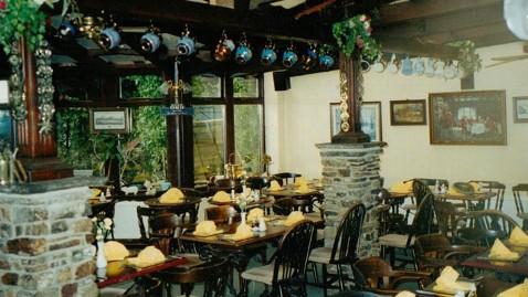 ht old inn 6 kb 120803 wblog Ann Romneys Weekend in Wales