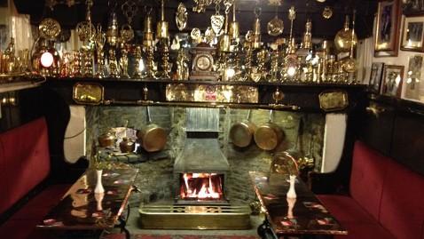ht old inn 8 kb 120803 wblog Ann Romneys Weekend in Wales