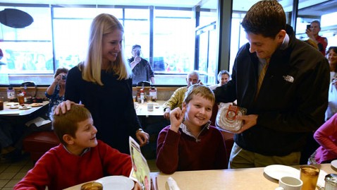 ht paul ryan buns family nt wblog LIVE UPDATES: Last Day of 2012 Campaign