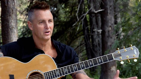 ht pearl jam mike mccready ll 121022 wblog Pearl Jam Guitarist Makes Plea for Obamacare