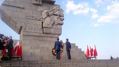 ht stone steps cc 120730 wblog Former Polish President Lech Walesa Endorses Mitt Romney
