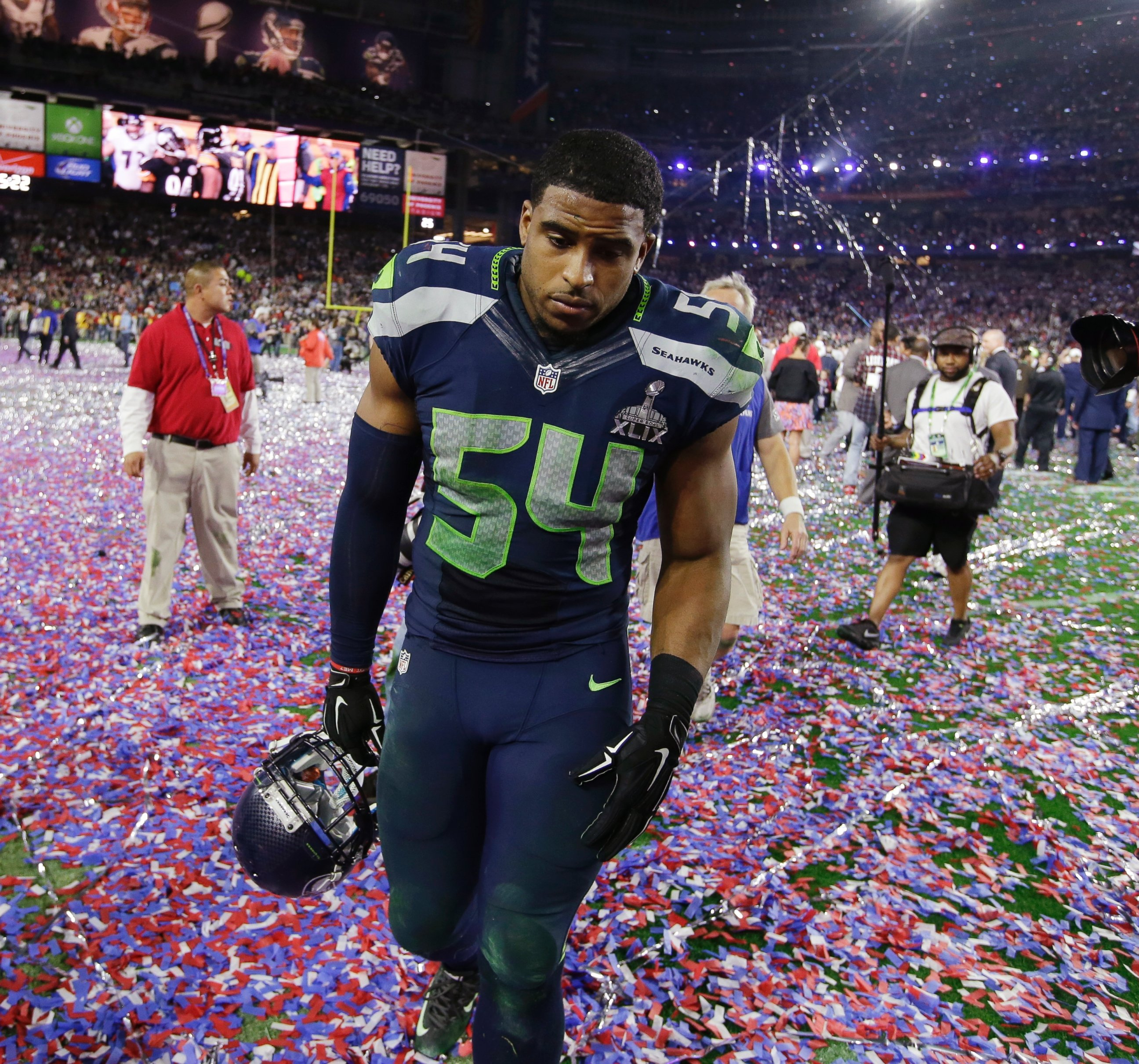 PHOTO Seattle Seahawks middle linebacker Bobby Wagner 54 walks