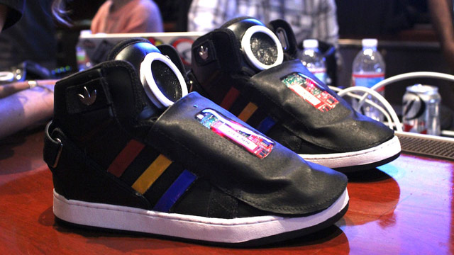 abc googleshoe 3 jt 130310 wmain SXSW: Googles Talking Shoe Motivates You to Move
